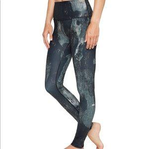 Alo yoga airbrushed canyon leggings size xs